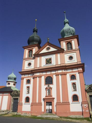 Kostel Nanebevzetí Panny Marie v Chlumu sv. Maří