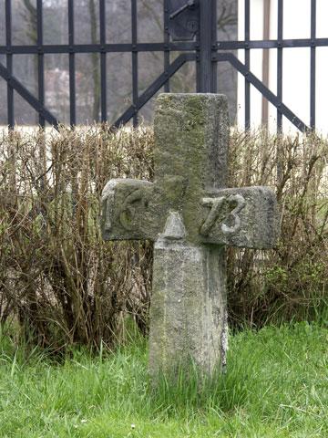 Smírčí kříž v Královském Poříčí