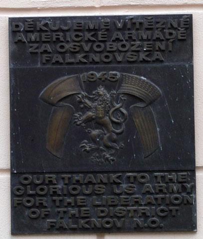 Pamětní deska věnovaná vzpomínce americké armádě